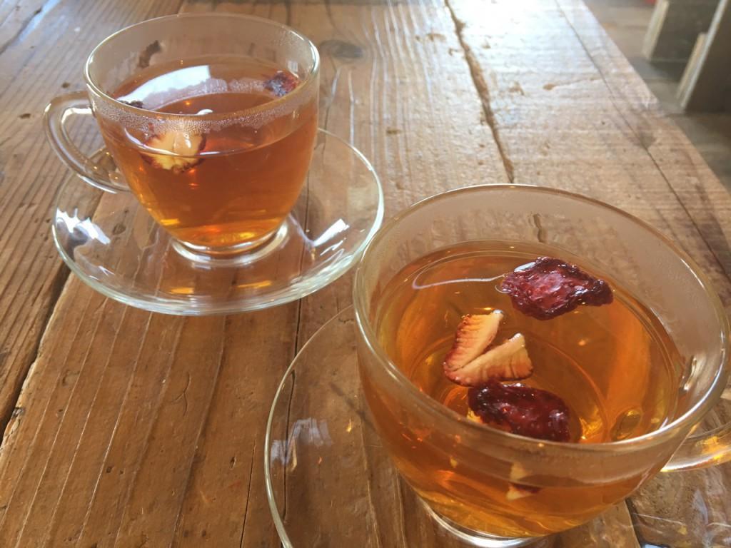イチゴ紅茶
